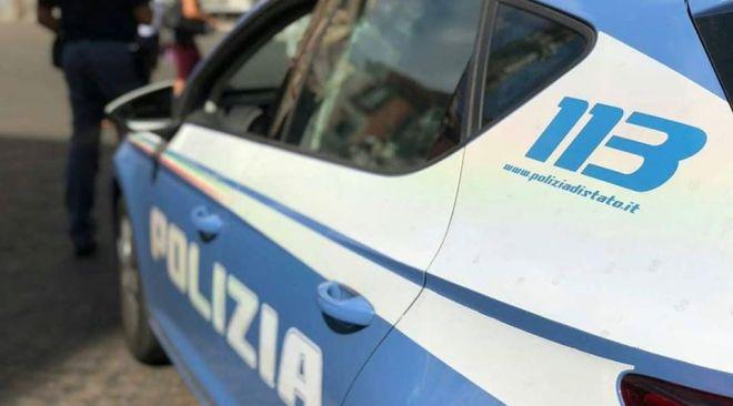 Aggredisce medici e infermieri al pronto soccorso, arrestato un 32enne dalla Polizia