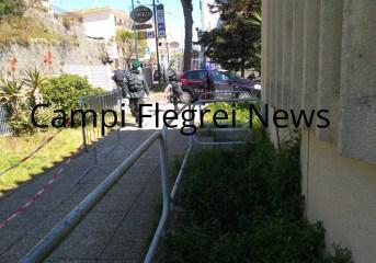 ARCO FELICE/ Tensione e proteste alle Poste, carabinieri identificano due persone