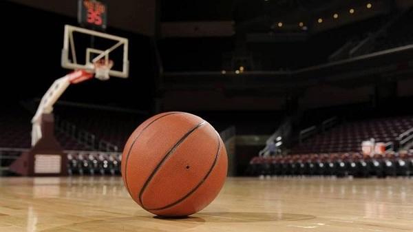 Basket: sospesi tutti i campionati