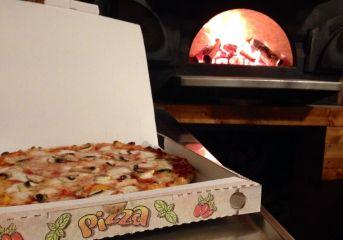 """LAGO PATRIA/ """"Ci sono pizzerie che consentono il ritiro al locale alla gente delle pizze"""""""