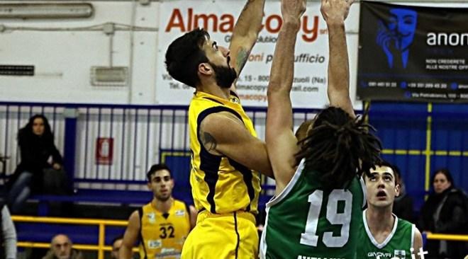 Basket – Sulla carta un derby perso per la Virtus Pozzuoli, ma in campo una grande vittoria
