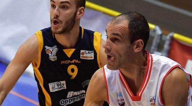 """Basket – Virtus Pozzuoli contro l'imbattuta capolista Real Sebastiani Rieti, Savoldelli: """"dobbiamo recuperare fiducia ed essere degli avversari-sorpresa"""".  Arriva anche il supporto di Forte."""