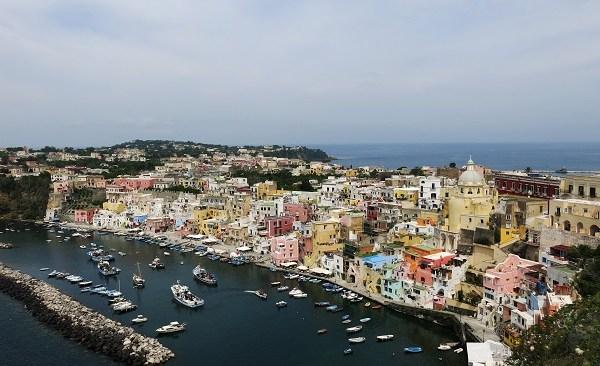 Procida proclamata Capitale italiana della cultura 2022