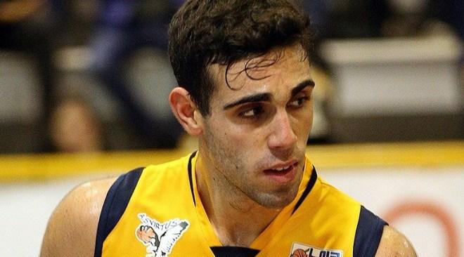 Basket| La Virtus Pozzuoli lotta fino alla fine contro Ruvo di Puglia, ma la vittoria è dei locali 90-86