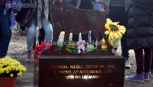 Spike, una scultura dedicata al cane massacrato lo scorso luglio