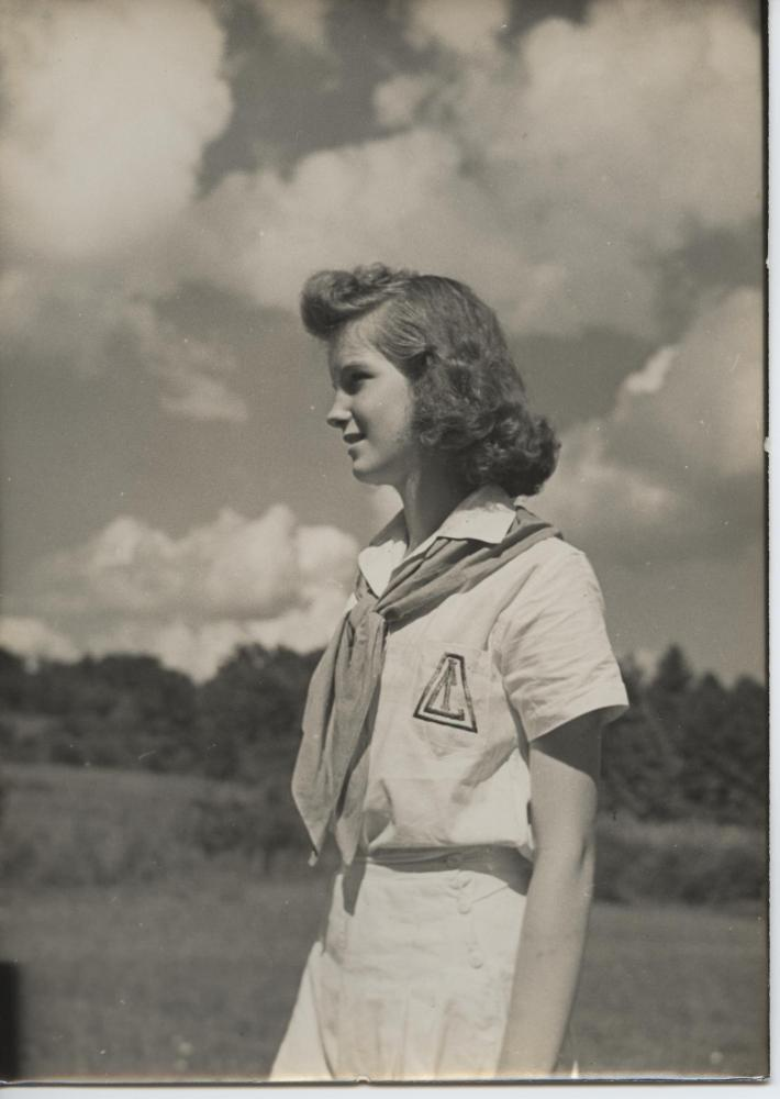 1940s-illahee-girl