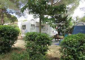 emplacement-caravane-camping-pezenas