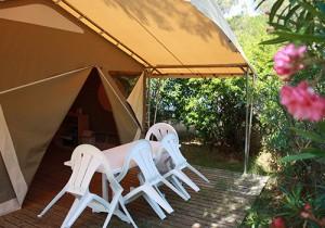 Terrasse Lodge toilé au camping