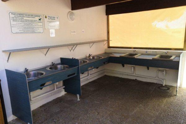 lavabos-camping-municipal-france