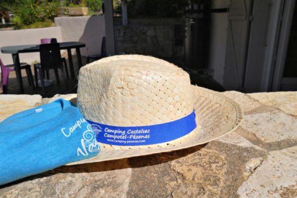 chapeau-tshirt-camping-campotel