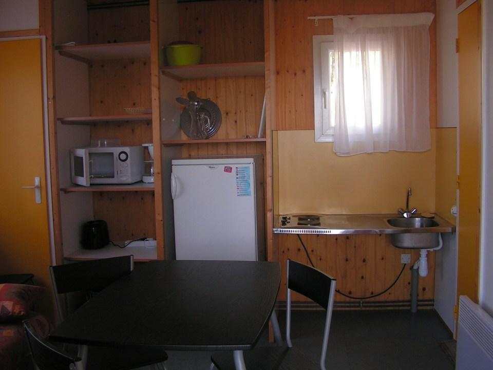 Camping du Lac de Bournazel, Seilhac, Corrèze   Hébergement en chalet 3 à 5 personnes adapté pour personnes à mobilité réduite, Parfait pour sejour en famille