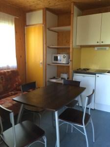 Camping du Lac de Bournazel, Seilhac, Corrèze   Hébergement en chalet 4 à 6 personnes, Parfait pour sejour en famille