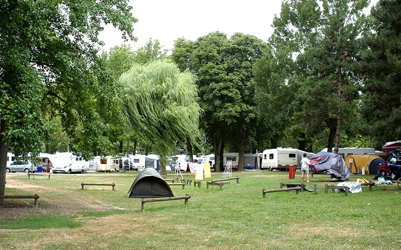 Camping Chateauroux Camping Le Rochat Location Camping