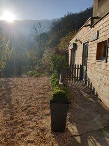 terrasse_spa_salle_comune_camping_les_cerisiers_vernet_les_bains_vue_mont_canigou