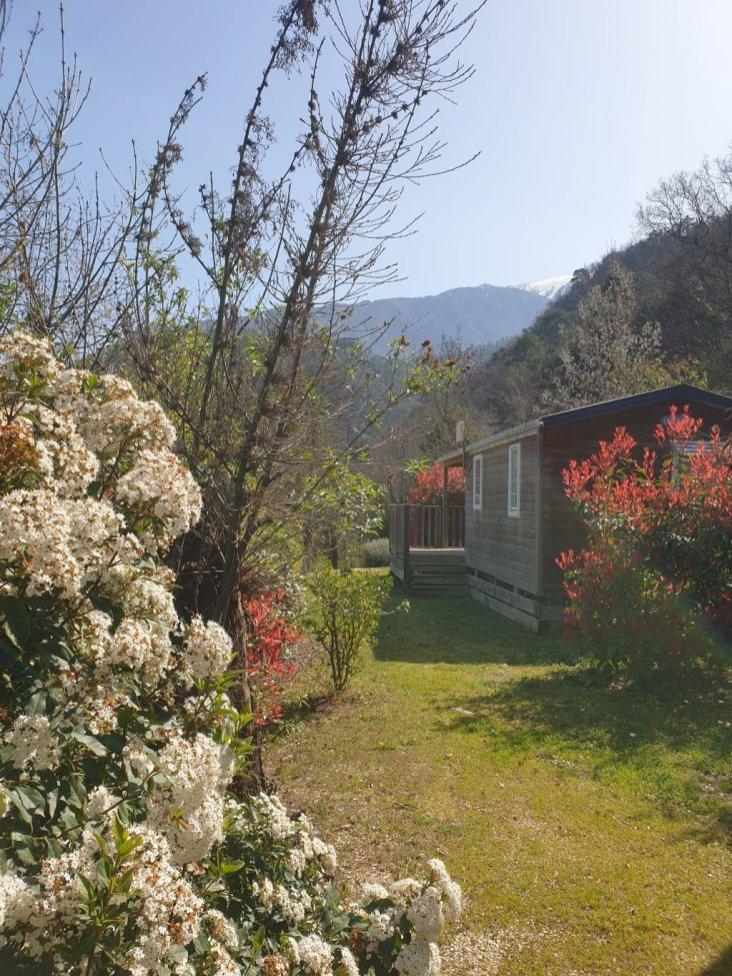vue_mobil_home_prenium_camping_les_cerisiers_vernet les bains