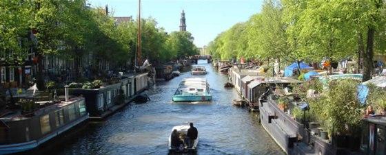 Kanalbåt i Amsterdam