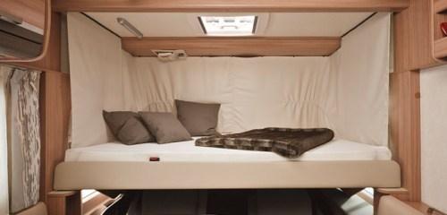 Nedsenkbar seng forut i bobilen