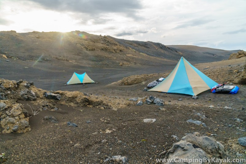 Camping on the Jökulsá á Fjöllum in Iceland with light-weight floorless tents.