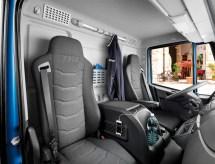 Iveco-Eurocargo-interieur-01