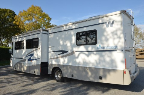Winnebago_Sightseer_33L-01