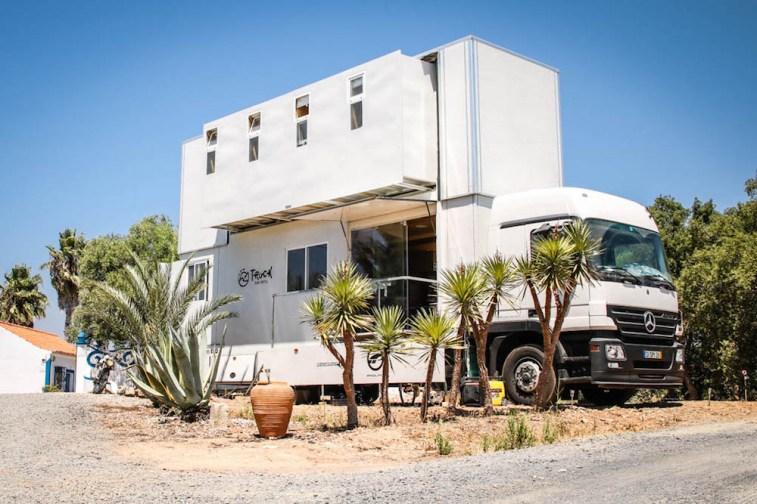 truck-surf-hotel-00