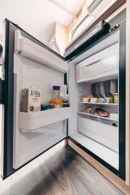 Les V 60 et V 66 sont tous les deux équipés d'un frigo 89 l, lequel abrite un freezer de 11 l.
