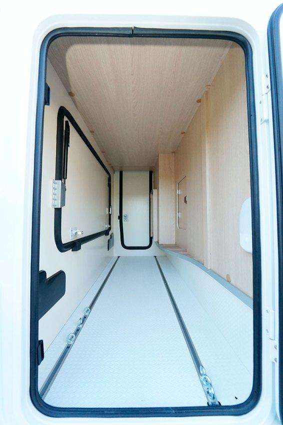 Avec ses trois portillons, la soute promet de pouvoir accéder au chargement sans encombre.