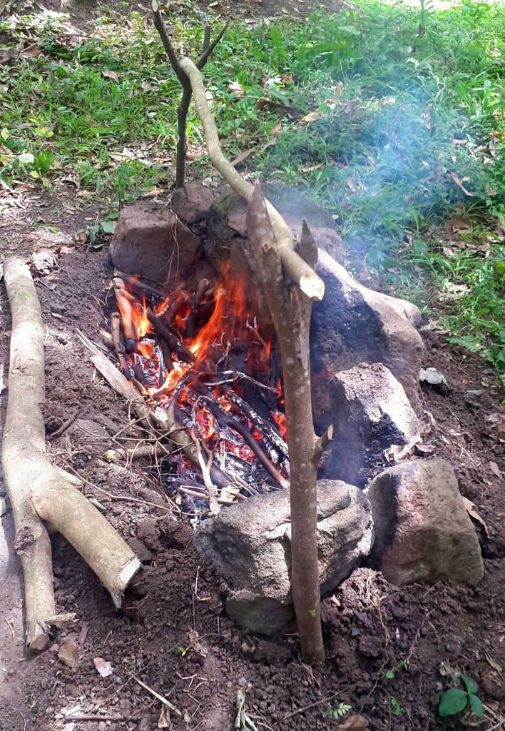 build campfire cooking trench step 3