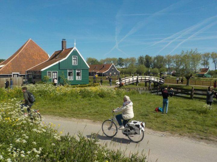 Getting around Zaanse Schans village