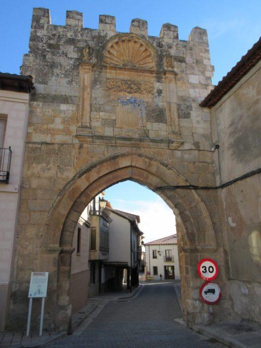 Puerta de Aguilera. Pueblos medievales