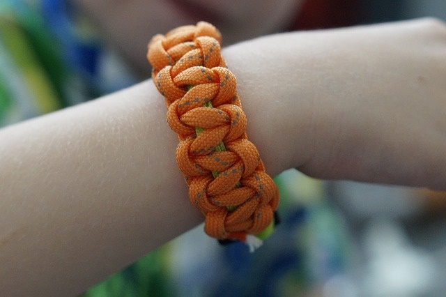 Paracord Basics, Bracelets, and Uses