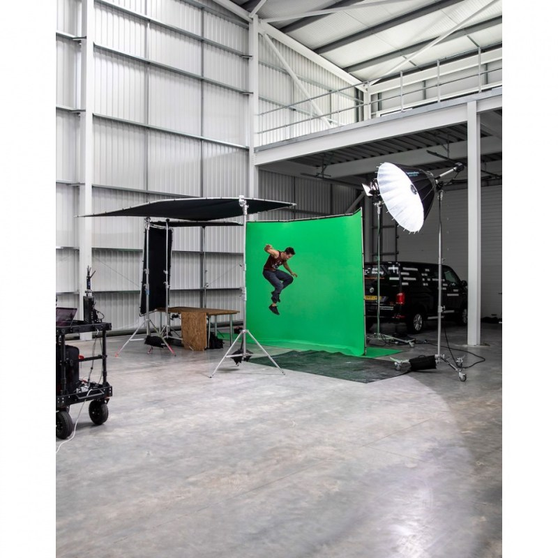 chroma key fx manfrotto 4x2 9m background in action 18