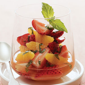 strawberry-salad-su-1622409-x