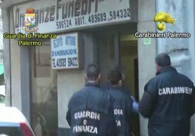 Palermo, sigilli all'impresa di pompe funebri dove la processione si fermò per fare l'inchino al boss