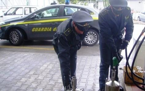 Castelvetrano, Gasolio contraffatto messo in vendita: La Finanza ne sequestra 5000 chili