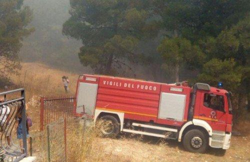 Arrestati per incendi a Sciacca e Salaparuta, il giudice li scarcera