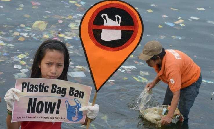 [VIDEO] Giornata Mondiale della Terra: oltre un milione di persone chiede alle grandi aziende interventi sulla plastica usa e getta
