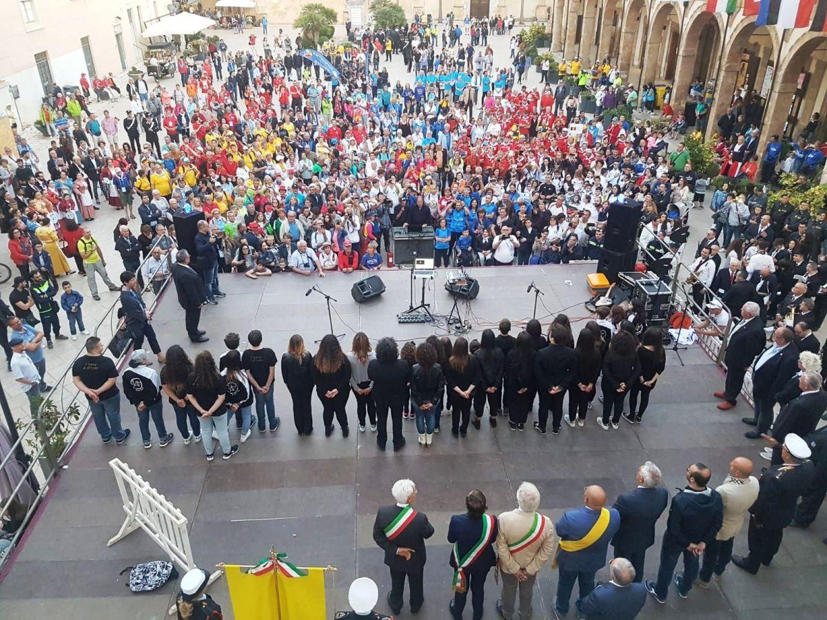 Mazara. Festa di colori e di culture alla parata inaugurale dell'Europiade