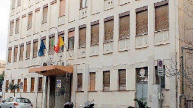 Bucate le gomme di tre auto dell'Asp di Marsala: avviate indagini