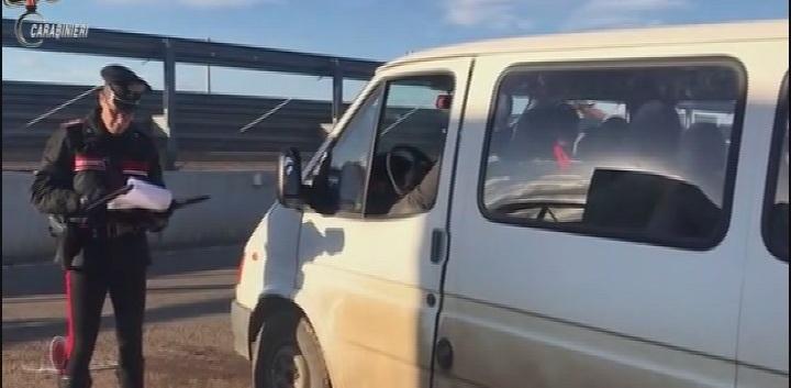 (Video) - [Cc] Vasta operazione contro il caporalato nel litorale Jonico Lucano: 14 arresti