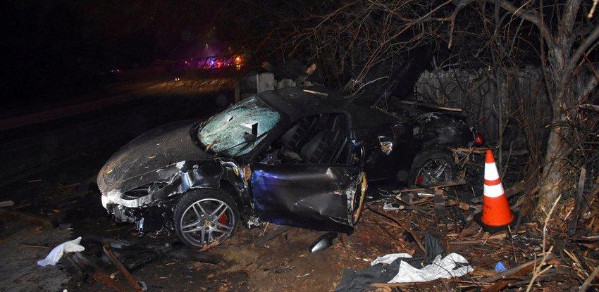 Ruba una Ferrari e la passeggera muore a 40 anni contro un ostacolo in Australia