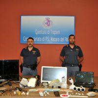 Mazara. Arrestata una coppia di giovani per detenzione di stupefacente a fini di spaccio e detenzione di arma clandestina.