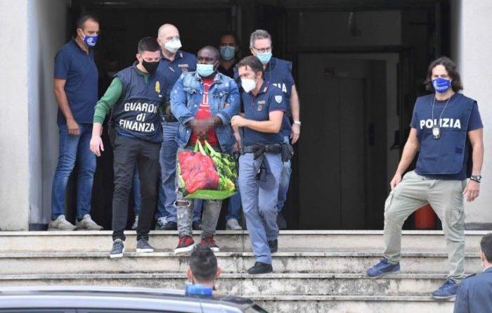 """Operazione antidroga """"Alì Park"""": arrestati 9 stranieri e 1 italiano (Video)"""