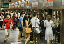 Free-train-rides-for-early-birds-Singapore.jpg