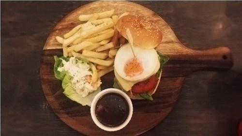 all_day_breakfast_burger