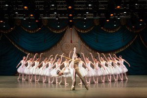 Singapore Dance Theatre presents Swan Lake @ Esplanade Theatre