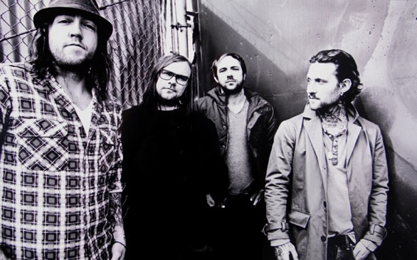 A banda, com sua mais recente formação (foto: theused.net)