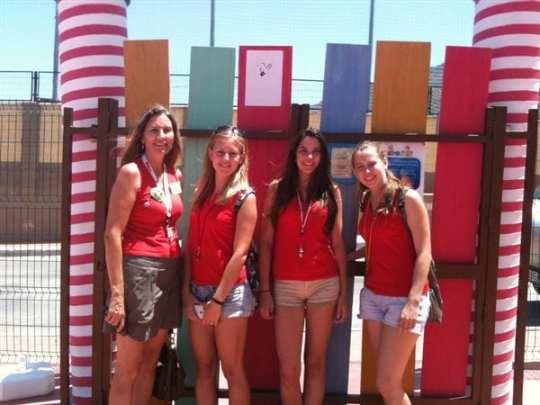 El equipo de monitoras femaninas nativas de Campus Inglés 2013