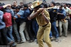 cricket-crowds-queue