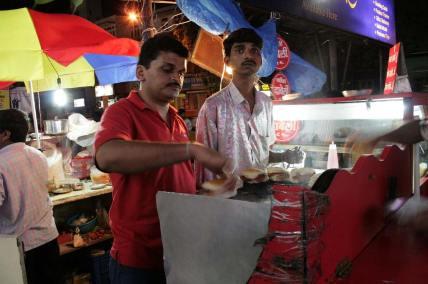 FC-Road-Pune-Shops-Dabeli-Centre